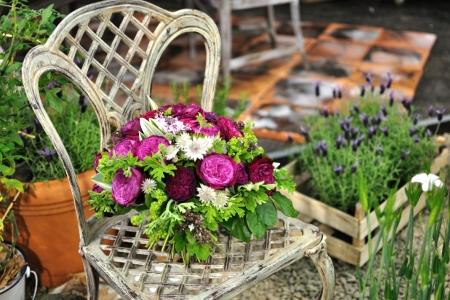 Bara_gardening_10