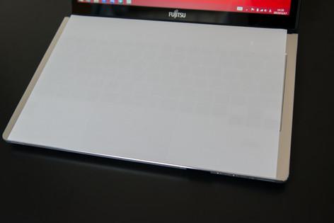 Fujitsu_sh90m_013