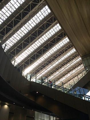 Osaka_station_02